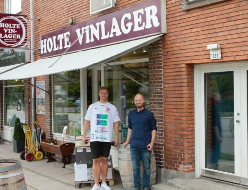 Kom med Jeppe Jonasson på besøg hos Holte Vinlager i Holte